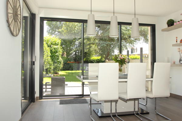 baies coulissantes. Black Bedroom Furniture Sets. Home Design Ideas